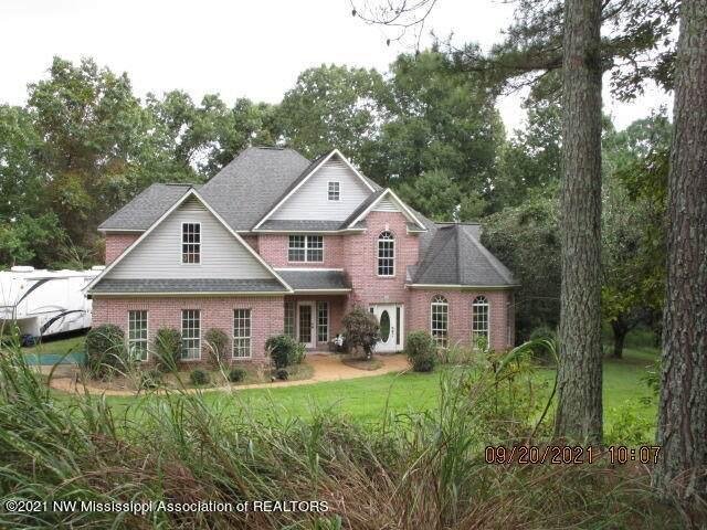 160 S Lakes Drive, Oxford, MS 38655 (MLS #337979) :: The Home Gurus, Keller Williams Realty