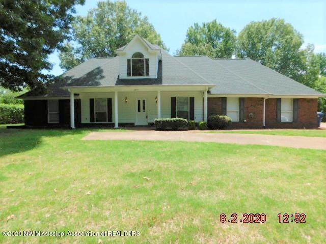 2075 Tall Tree Drive, Horn Lake, MS 38637 (MLS #329632) :: Signature Realty
