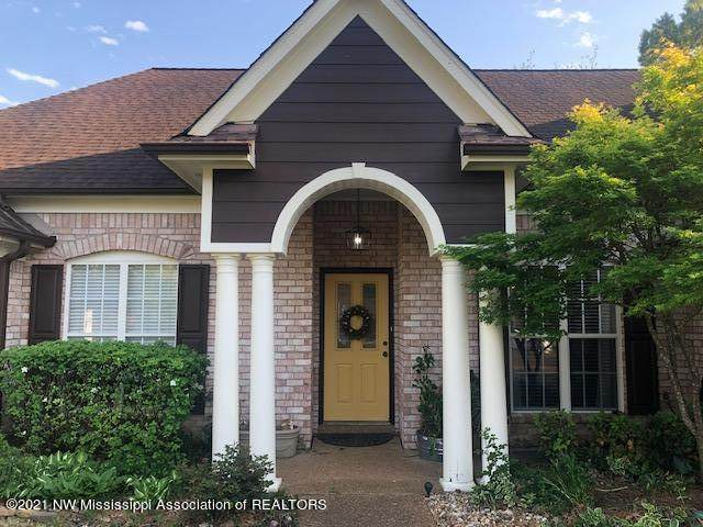 8877 Bell Forrest Drive, Olive Branch, MS 38654 (MLS #334878) :: The Live Love Desoto Group