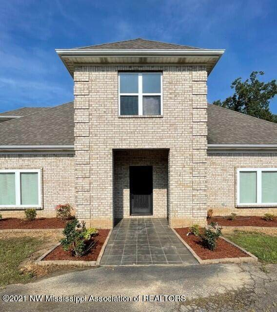 206 Swan Lake Drive, Coldwater, MS 38618 (MLS #337520) :: The Live Love Desoto Group