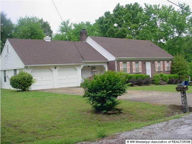 136 Weaver Road, Holly Springs, MS 38635 (MLS #283978) :: The Live Love Desoto Group
