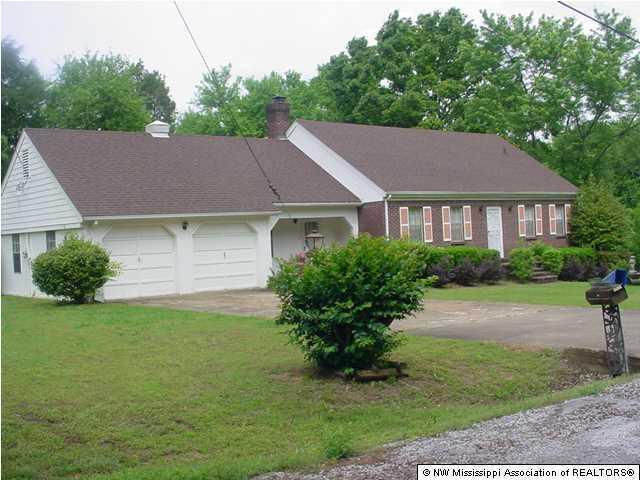 136 Weaver Road, Holly Springs, MS 38635 (MLS #283978) :: Gowen Property Group | Keller Williams Realty