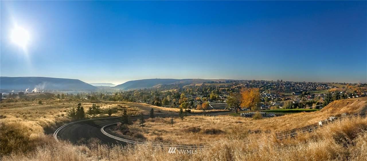 605 Vista Del Sol - Photo 1