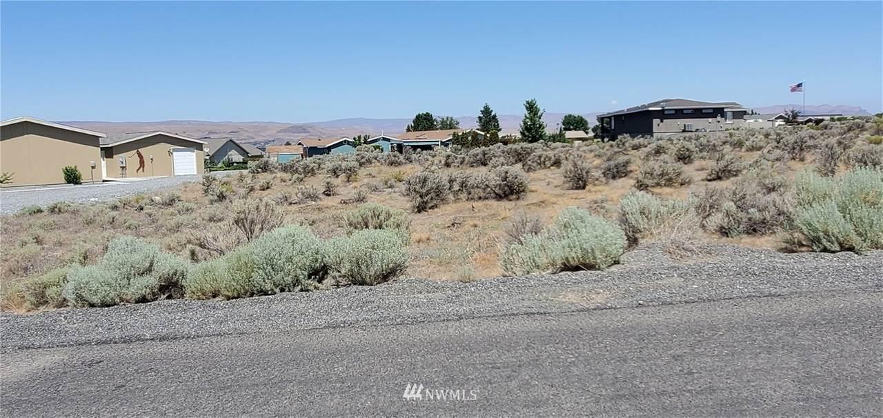 204 Clayton Place S W - Photo 1