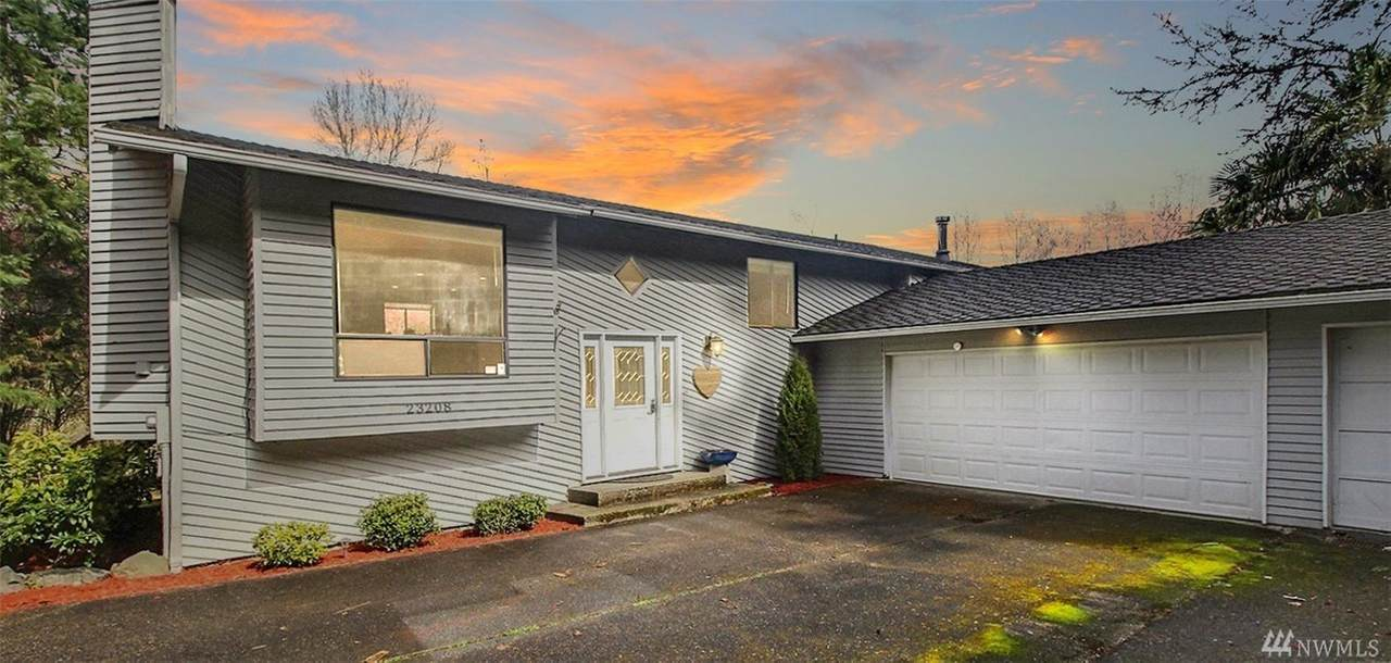 23208 140th Ave - Photo 1