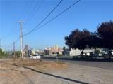 810 Brackett St - Photo 3