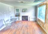 2560 10th Ave - Photo 2