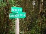 11215 Greenwood Drive - Photo 2