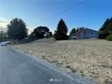 3301 Halverson Avenue - Photo 2