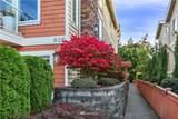 626 Glen Street - Photo 2