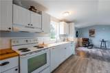 884 Orchard Dr - Photo 3