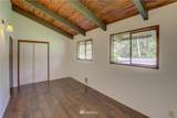 19115 Sandridge Road - Photo 14