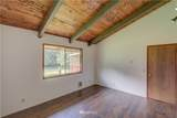 19115 Sandridge Road - Photo 17