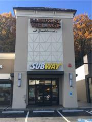 17105 South Center Pkwy, Tukwila, WA 98188 (#1041741) :: Ben Kinney Real Estate Team