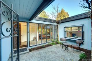 11039 39th Ave NE, Seattle, WA 98125 (#1072722) :: Ben Kinney Real Estate Team