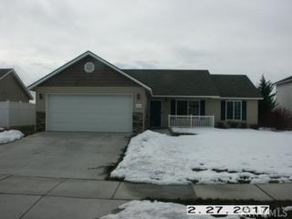 1121 W Luta St, Moses Lake, WA 98837 (#1083214) :: Ben Kinney Real Estate Team