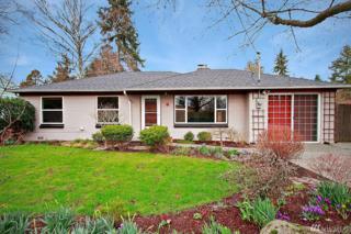 1936 NE 135th St, Seattle, WA 98125 (#1083296) :: Ben Kinney Real Estate Team