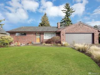 825 21st St NW, Puyallup, WA 98371 (#1085177) :: Ben Kinney Real Estate Team