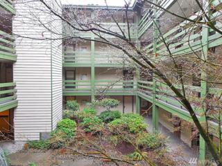 9512 1st Ave NE #208, Seattle, WA 98115 (#1086578) :: Ben Kinney Real Estate Team