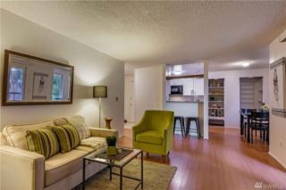 7223 224th St SW J12, Edmonds, WA 98026 (#1087163) :: Ben Kinney Real Estate Team