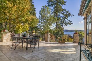 9033 Lake Washington Blvd NE, Bellevue, WA 98004 (#1089788) :: Ben Kinney Real Estate Team