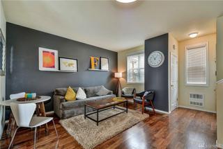 4035 Whitman Ave B, Seattle, WA 98103 (#1125841) :: Alchemy Real Estate