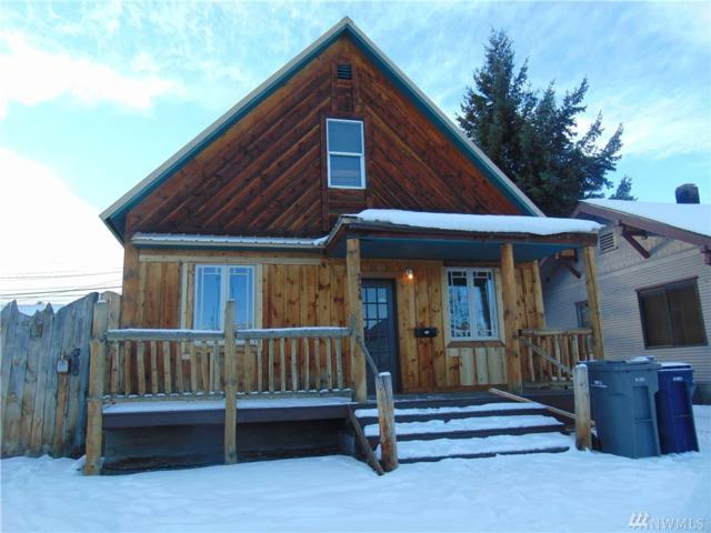 324 S Chelan Ave, Wenatchee, WA 98801 (#1080102) :: Ben Kinney Real Estate Team
