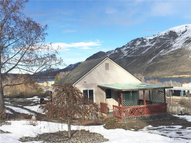 661 3rd St, Chelan Falls, WA 98817 (#1086485) :: Ben Kinney Real Estate Team