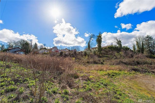 2818 E L St, Tacoma, WA 98404 (#1091037) :: Beach & Blvd Real Estate Group