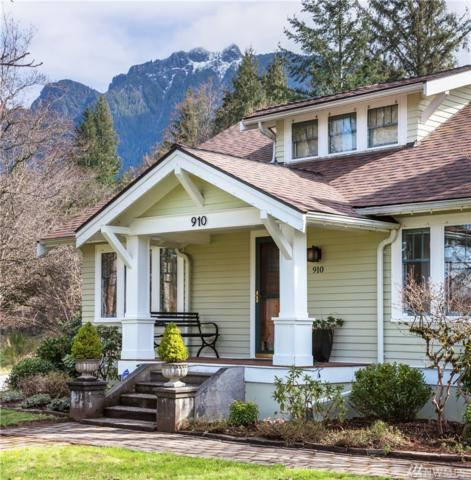 910 Maloney Grove Ave SE, North Bend, WA 98045 (#1099783) :: Ben Kinney Real Estate Team