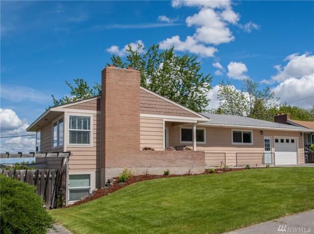 204 W Linden Ave, Moses Lake, WA 98837 (#1119947) :: Ben Kinney Real Estate Team