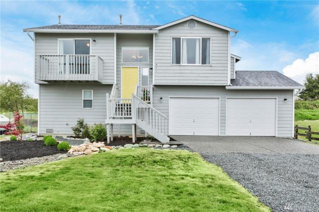 871 Livingston Bay Shore Dr, Camano Island, WA 98282 (#1125413) :: Ben Kinney Real Estate Team