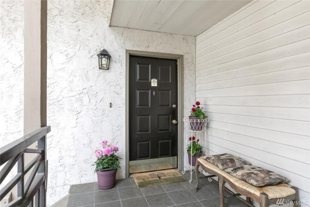 10506 NE 32nd Place G-303, Bellevue, WA 98004 (#1126341) :: Ben Kinney Real Estate Team