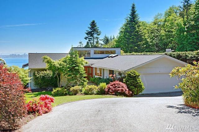 10809 Bill Point View NE, Bainbridge Island, WA 98110 (#1130342) :: Ben Kinney Real Estate Team