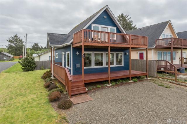 3 Darien Lane, Pacific Beach, WA 98571 (#1130697) :: Ben Kinney Real Estate Team