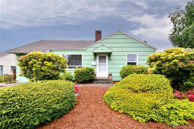 8221 22nd Ave NE, Seattle, WA 98115 (#1135643) :: Ben Kinney Real Estate Team