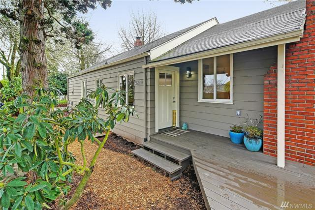 5239 21st Ave SW, Seattle, WA 98106 (#1135682) :: Ben Kinney Real Estate Team