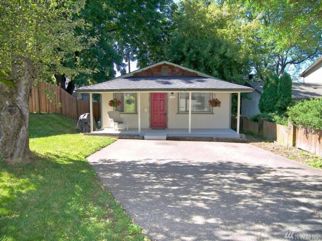 1717 Humboldt St, Bellingham, WA 98225 (#1138143) :: Ben Kinney Real Estate Team