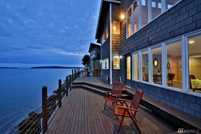 2335 Hidden Beach Dr, Greenbank, WA 98253 (#1138317) :: Ben Kinney Real Estate Team