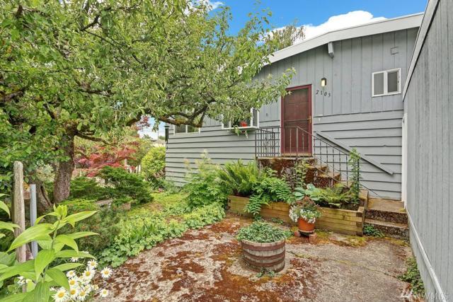 2103 SW 110th St, Seattle, WA 98149 (#1141662) :: Ben Kinney Real Estate Team