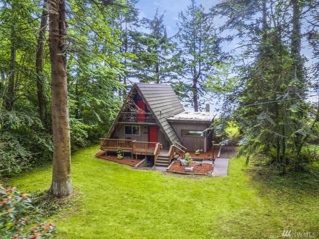 34 Lip Lip Lane, Nordland, WA 98358 (#1143928) :: Ben Kinney Real Estate Team