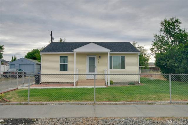 2122 W Spruce St, Moses Lake, WA 98837 (#1144608) :: Ben Kinney Real Estate Team