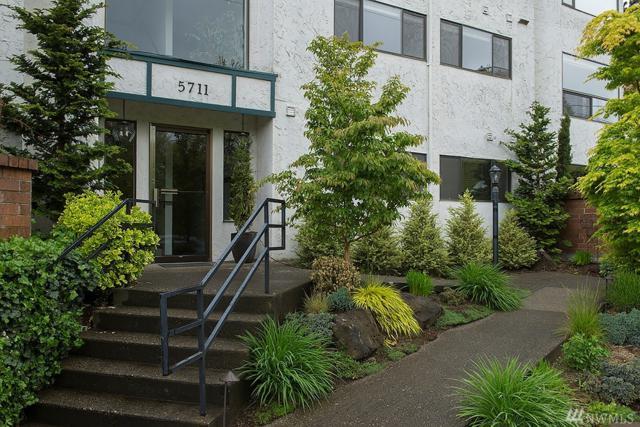 5711 Phinney Ave N #204, Seattle, WA 98103 (#1144769) :: Ben Kinney Real Estate Team