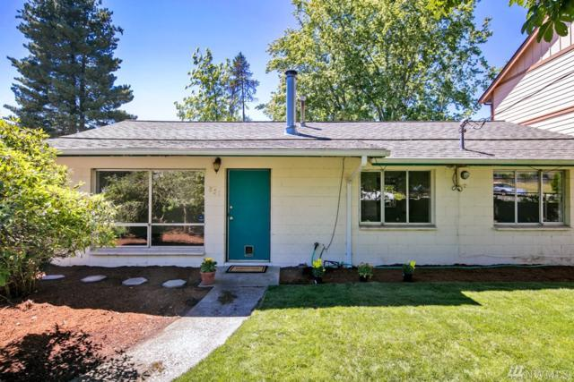 851 Pierce Ave NE, Renton, WA 98056 (#1145927) :: Keller Williams - Shook Home Group