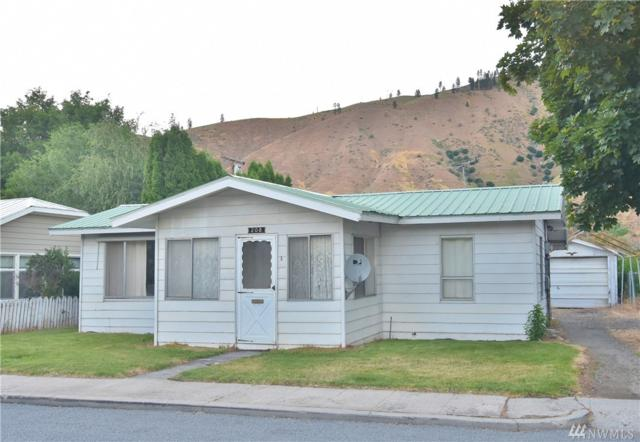 208 Perry St, Cashmere, WA 98815 (#1147484) :: Ben Kinney Real Estate Team