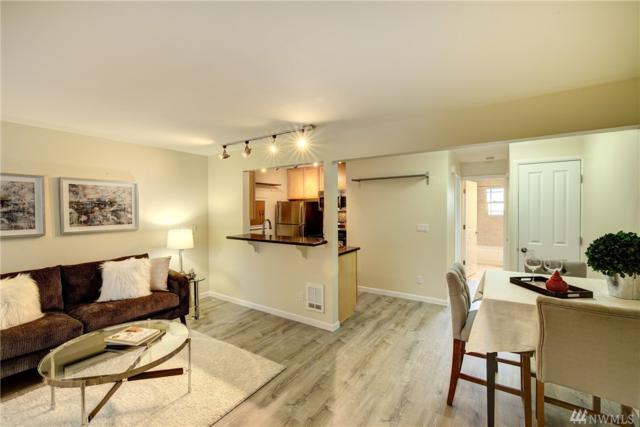 3636 Evanston Ave N #13, Seattle, WA 98103 (#1147809) :: Ben Kinney Real Estate Team