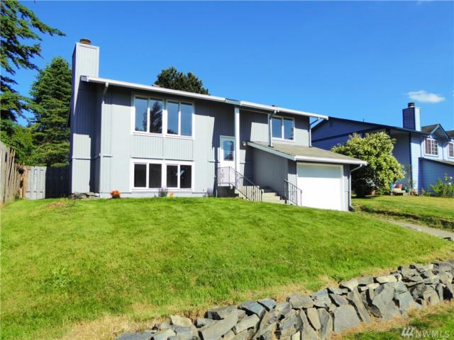 9411 S J St, Tacoma, WA 98444 (#1149368) :: Ben Kinney Real Estate Team