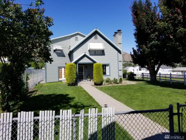 1224 S Miller St, Wenatchee, WA 98801 (#1149675) :: Ben Kinney Real Estate Team