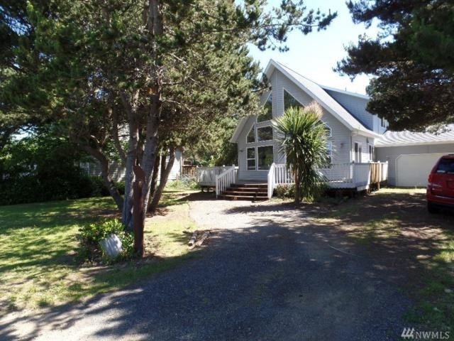 304 Sand Dune Ave NW, Ocean Shores, WA 98569 (#1149714) :: Ben Kinney Real Estate Team