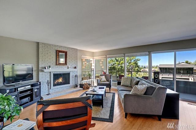 655 Main St #101, Edmonds, WA 98020 (#1149956) :: Ben Kinney Real Estate Team